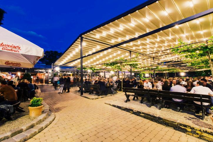 public viewing in Vienna Kolariks Luftburg Biergarten