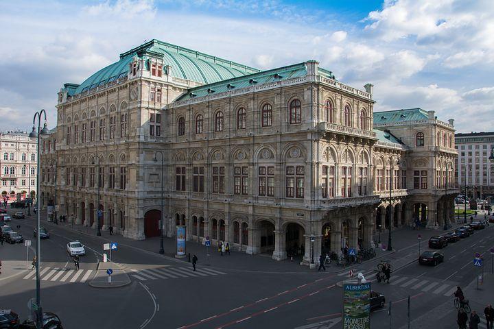 Staatsoper Wien in deren Nähe Sie Tickets für ein klassisches Konzert bekommen