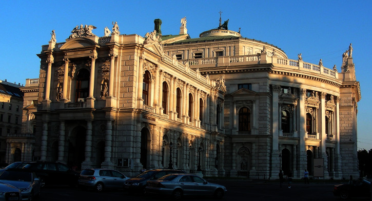 Tour through Vienna - the Burgtheater
