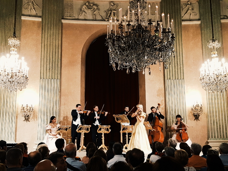 Vienna Residence Orchestra with 1st violine Edua Zadory
