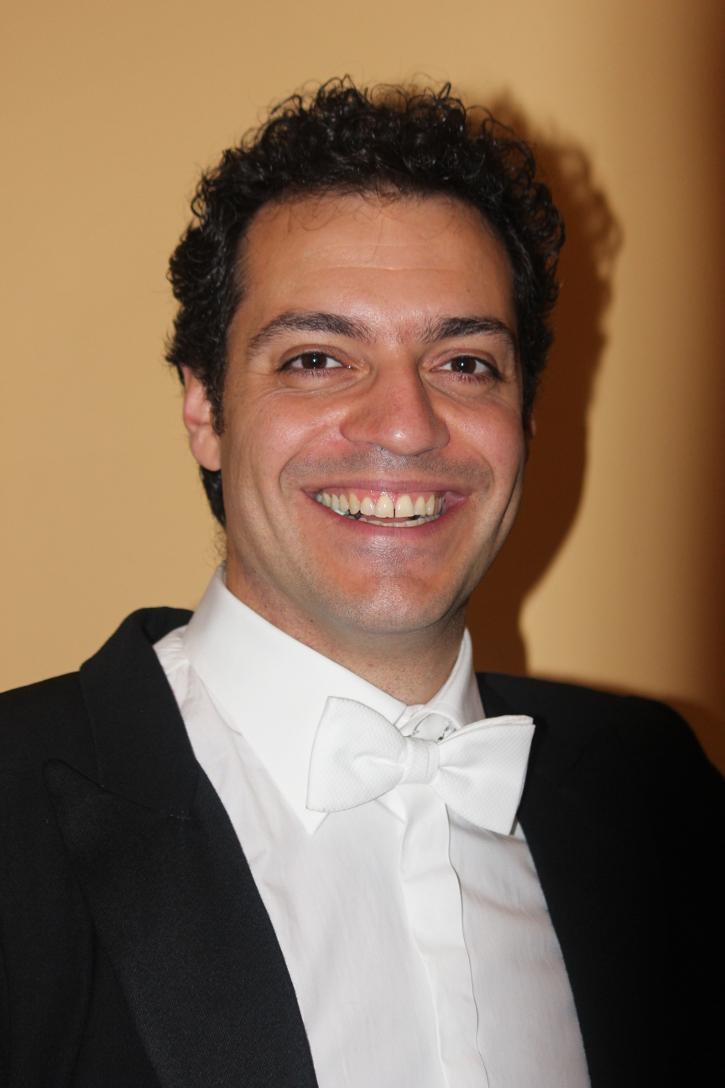 Giuseppe Montesano als musikalischer Leiter des Wiener Hofburg Orchester
