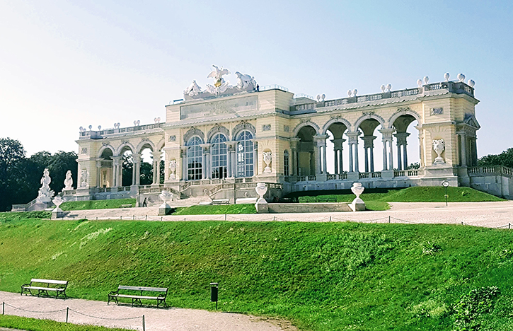 Die Gloriette in Schloss Schönbrunn Wien