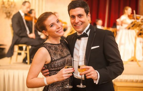 Ballroom Dancing in the Rosenkavaliersaal | NEW YEAR's EVE GALA Palais Auersperg Vienna